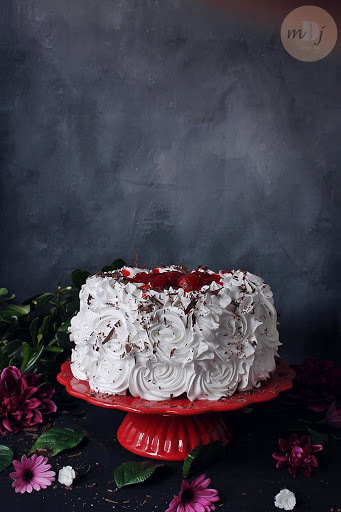 Old - Fashioned Strawberry Chocolate Cake
