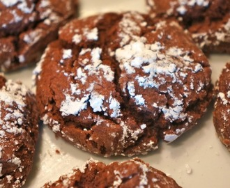 Easy Chocolate Crinkle Cookies...