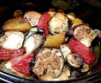 Slow Cooker Aubergine, Pepper and Mozzarella Bake