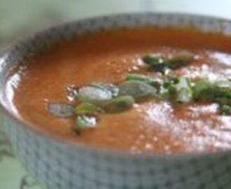 Cream of Roasted Red Bell Pepper Soup
