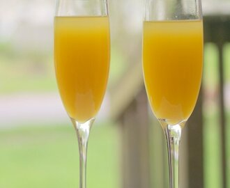 Mango Mimosa for #BrunchWeek