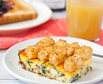 Cheesy Sausage, Spinach, and Tater Tot Breakfast Casserole