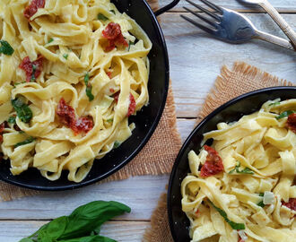 Creamy Vegan Pasta with Sun-Dried Tomatoes and Basil