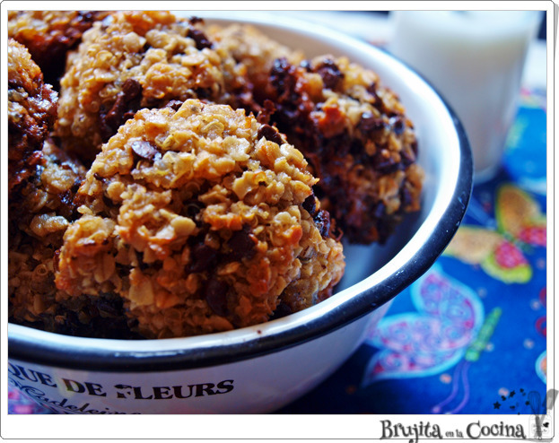 Galletas de quinoa, platano y chocolate