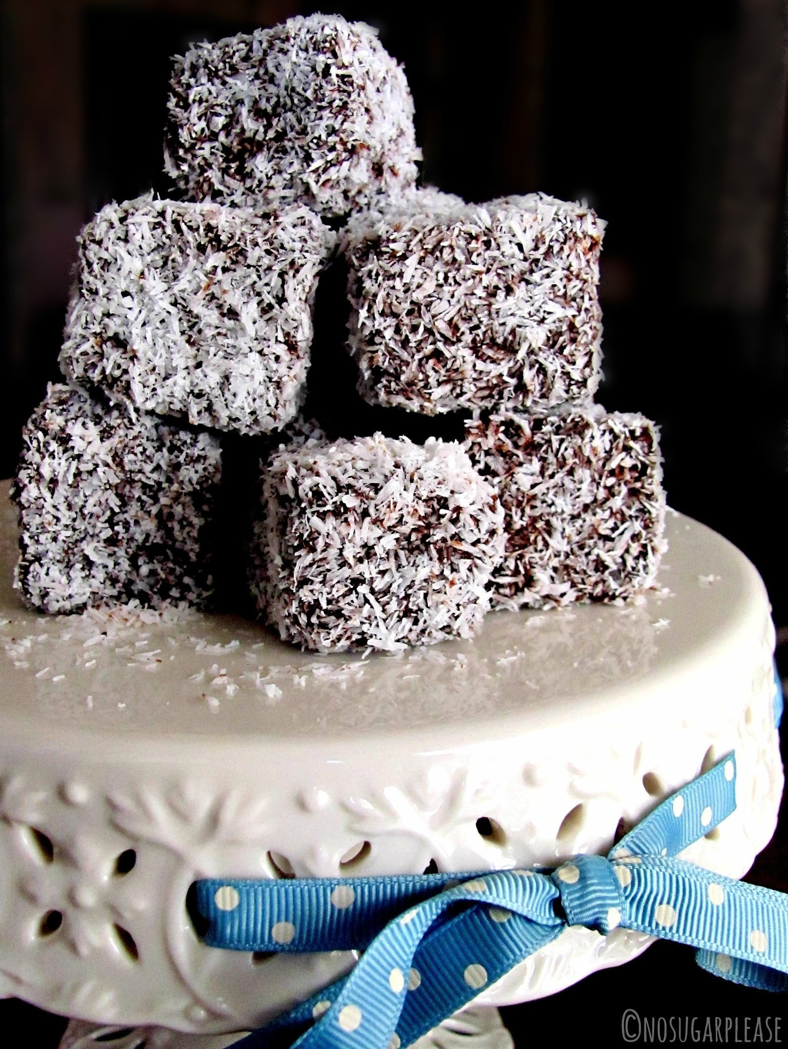 Quadrotti light al cioccolato e cocco (Lamington vegan)