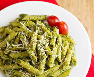 Pasta with Spinach Basil Pesto + Gourmet Garden GIVEAWAY! #15MinuteSuppers