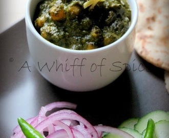 Saag Chole - Chickpea in a creamy Spinach Gravy