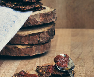 Raw crackers ai semi di lino e pomodori secchi | Raw flaxseed crackers with dried tomatoes
