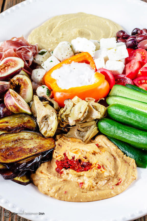Mezze: How to Build the perfect Mediterranean Party Platter