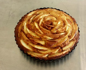 Torta di mele con fichi secchi (apple cake with dried figs)