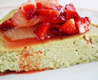 Avocado Cheesecake mit Strawberry Margarita Topping