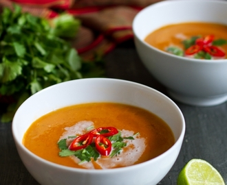 Thai tomato and lentil soup