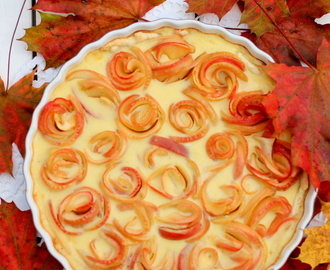 {Sweet Treat Sunday #9: } Apfel Rosetten Kuchen