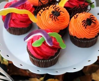 gruselige halloween cupcakes rezepte mytaste. Black Bedroom Furniture Sets. Home Design Ideas