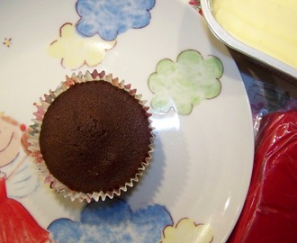 Cupcakes de chocolate...para decorar / Chocolate Cupcakes ... to decorate