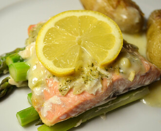 Salmon and Asparagus en Papillote