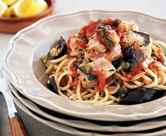 Spaghetti with eggplant, tuna and capers