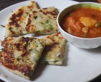 Cheese Garlic Kulcha Recipe – Garlic & Cheese Stuffed Kulcha Recipe