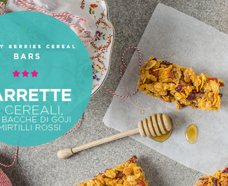 Barrette ai cornflakes con bacche di goji e mirtilli rossi  • Honey red berries cereal bars