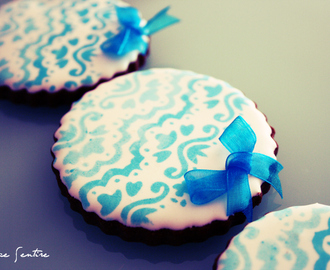 Galletas 'Blue Lace': Cómo usar stencils o plantillas sobre glasa {Foto Tutorial}