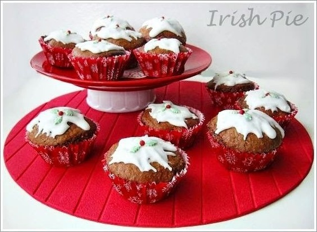 Christmas Pud Cupcakes / Weihnachts Pudding Cupcakes