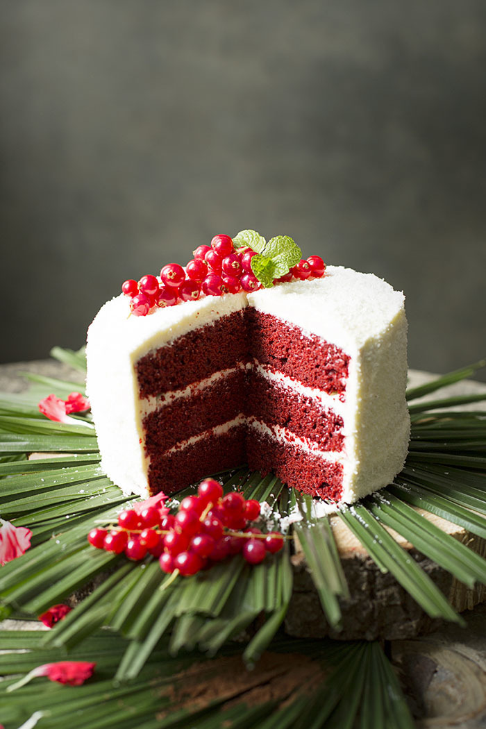 RED VELVET LAYER CAKE DE COCO