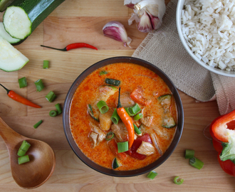 Curry rojo de pollo y verduras (estilo thai)