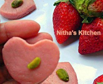 Fat Free Strawberry Palkova | Heart shaped Paalkova | South Indian Delicacy