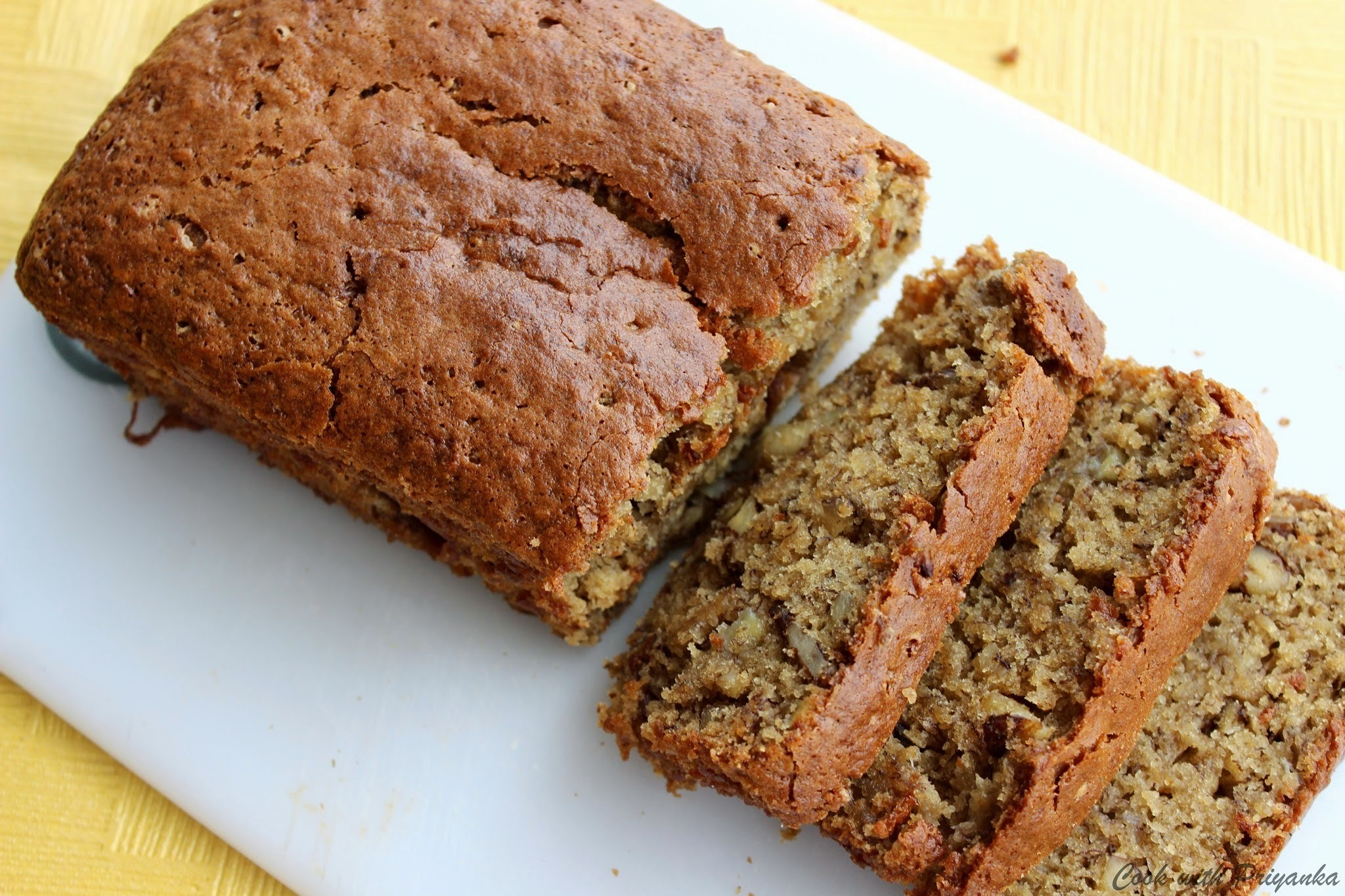Banana & Walnut Cake (Eggless)