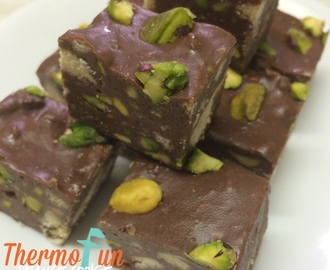 Orange Cookie Pistachio Fudge Recipe – Wicked Wednesday