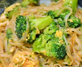 Pad thai broccoli e gamberi