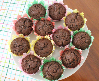 Peanut Butter Cup Stuffed Chocolate Muffins #MuffinMonday