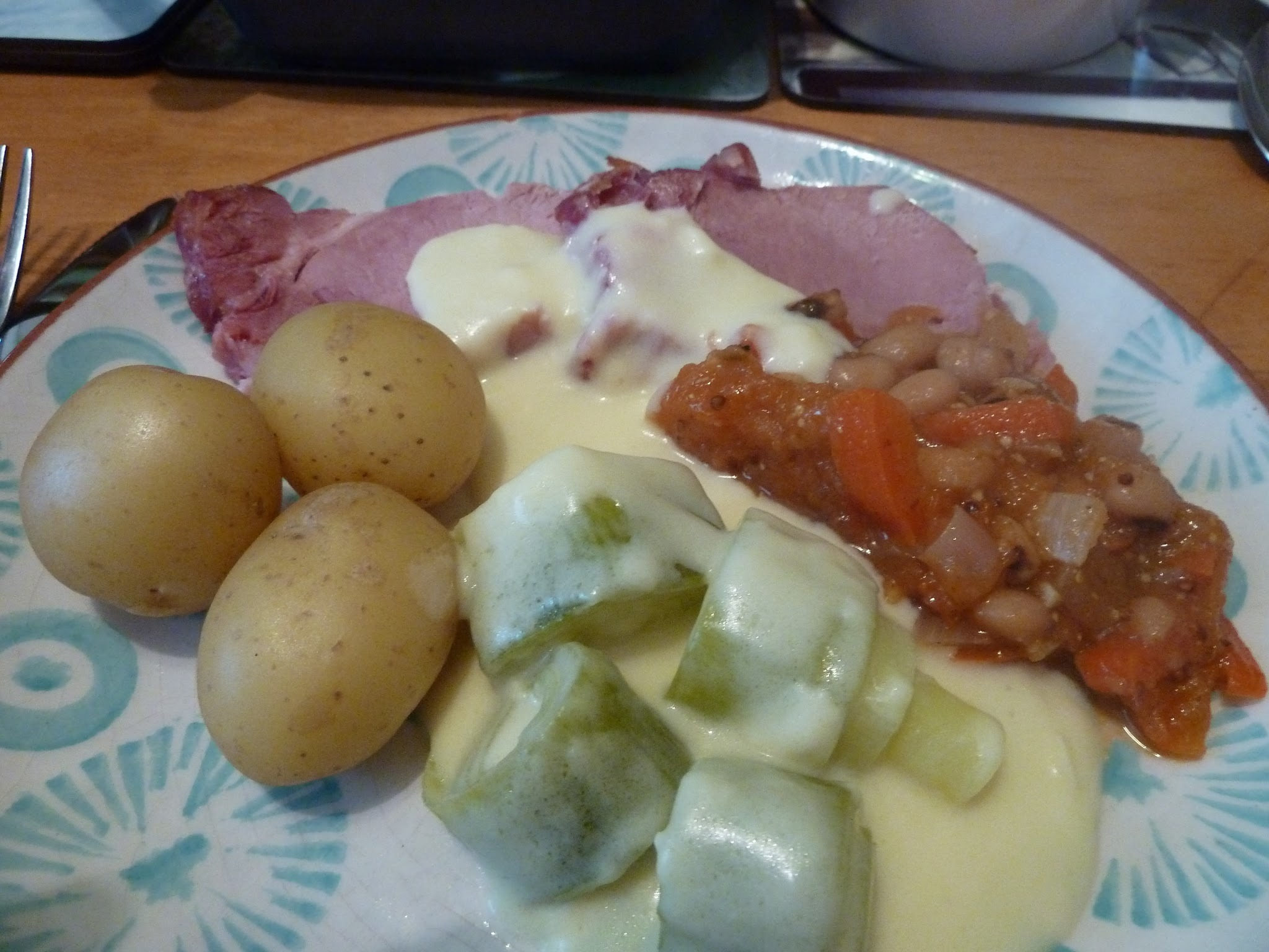 Roast gammon, cheesy leeks