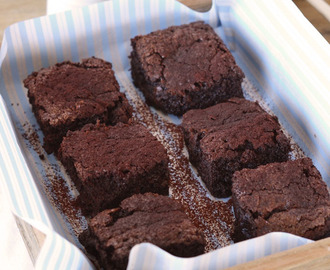 Spongy Brownies with Warm Chocolate Sauce (Bill Granger)