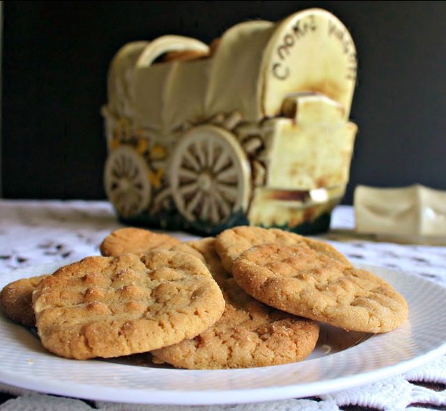 Simple Things and Old-Fashioned Peanut Butter Cookies
