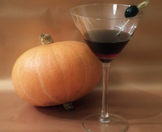 Drinki na Halloween: Sympathy for the Devil (Czarne Vodka Martini)