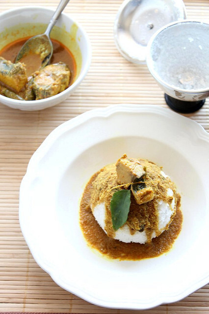 PUTTU & KANNUR MEEN CURRY /STEAMED RICE FLOUR CAKES WITH FISH CURRY