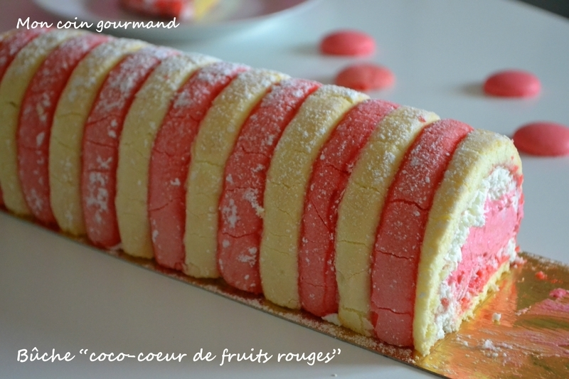 "Bûche ""coco-cœur de fruits rouges"""