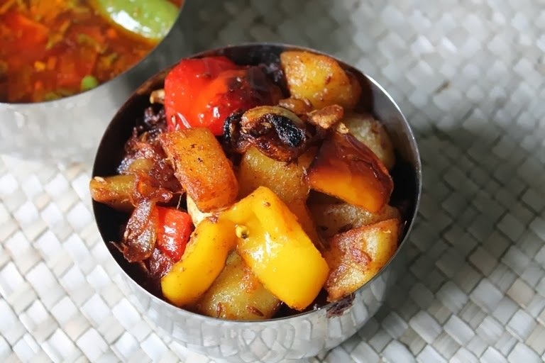 Potato Capsicum Poriyal / Potato Capsicum Stir Fry / Aloo Pepper Roast
