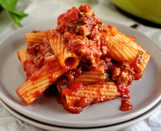 Spicy Tomato Sauce Pasta Recipe