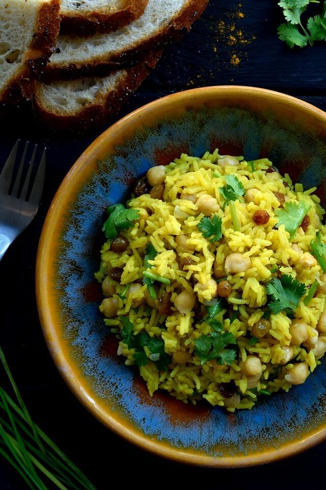 Vegan Curried Rice with Raisins, Cilantro and Chickpeas