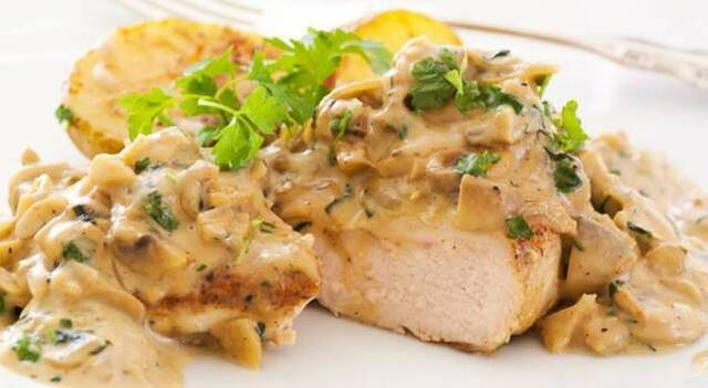 Crock Pot Creamy Pork Chops