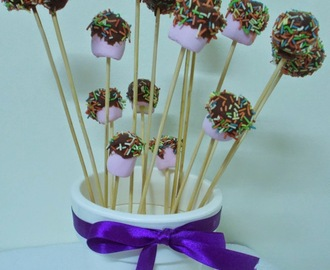 Cake pops de bizcocho de chocolate y cheesecream