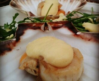 Alternative Christmas Dinner! – Scallops with a sabayon sauce and Fish Pie!