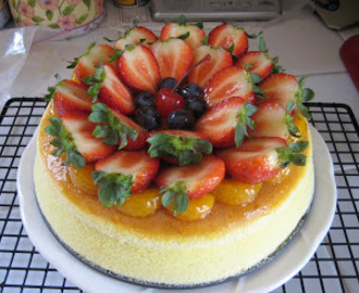 Japanese Cheesecake with Fresh Fruits and Apricot Glaze