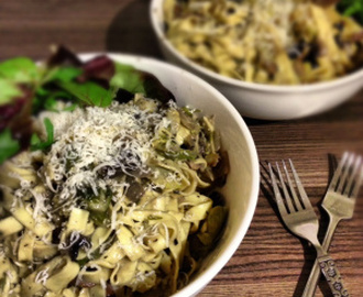 Creamy Tagliatelle with Brussels Sprouts and Mushrooms