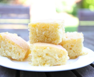 Mary Berry's Lemon Drizzle Traybake Cake for Picnics