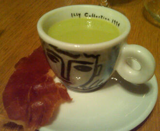Chilled English Pea Soup with Crispy Prosciutto
