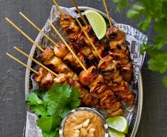 Go nuts - Asian chicken skewers with satay sauce (glutenfree)