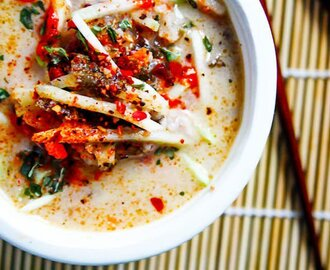Thai Coconut Cabbage Soup {Paleo and Vegan Friendly}